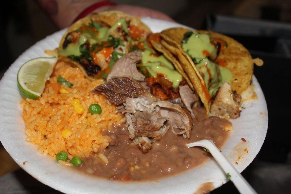 Tacos De Los Muertos: Rialto, CA