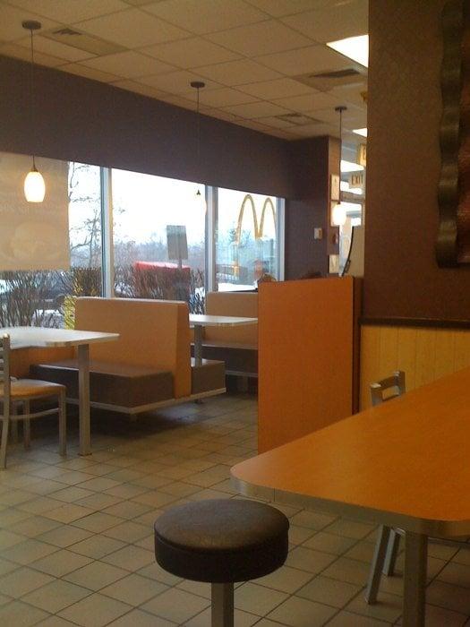McDonald's: 325 Buffalo St, Gowanda, NY