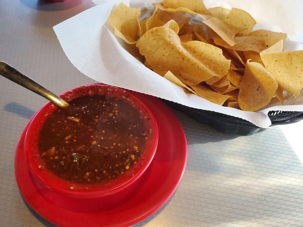 El Nopalito Grill: 2600 E Malone Ave, Miner, MO