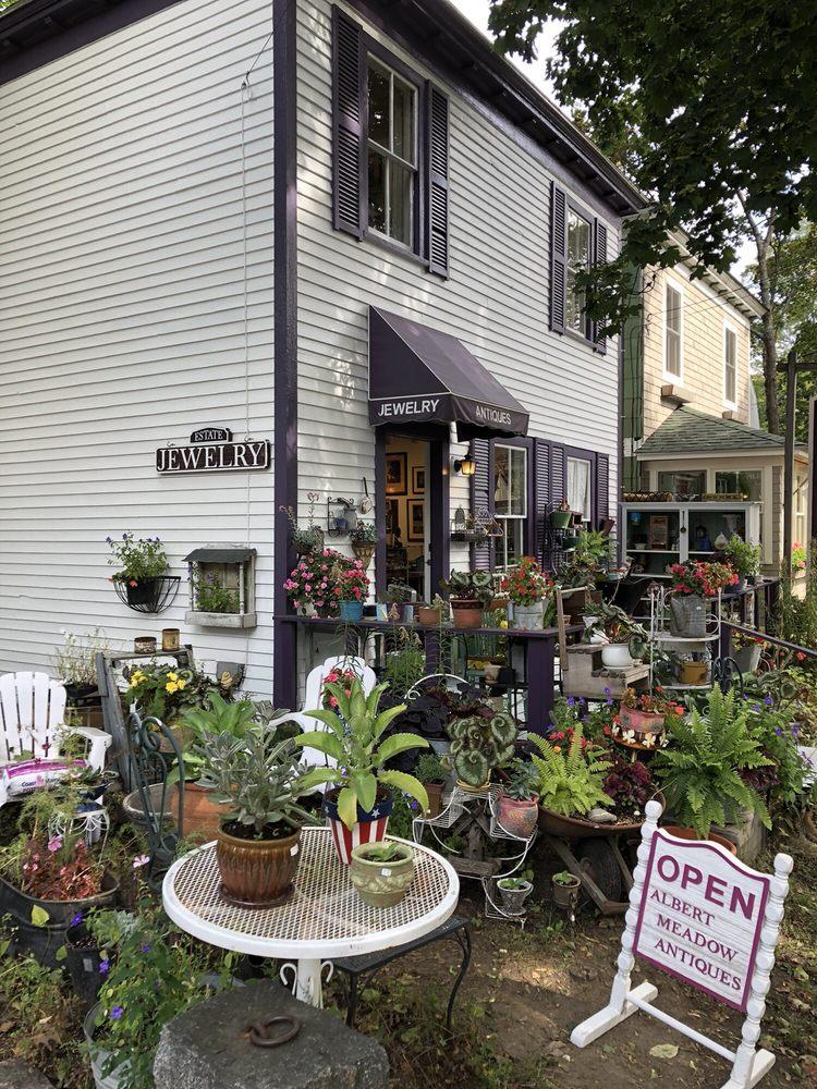 Albert Meadow Antiques: 8 Albert Mdws, Bar Harbor, ME