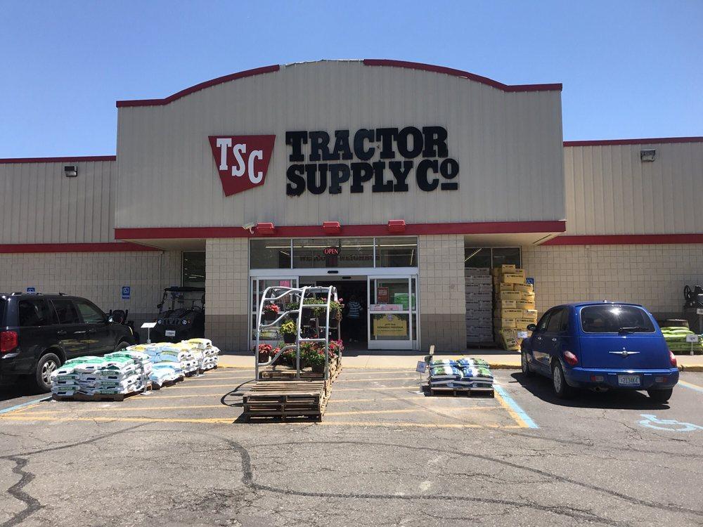 Tractor Supply: 2492 N Telegraph Rd, Monroe, MI