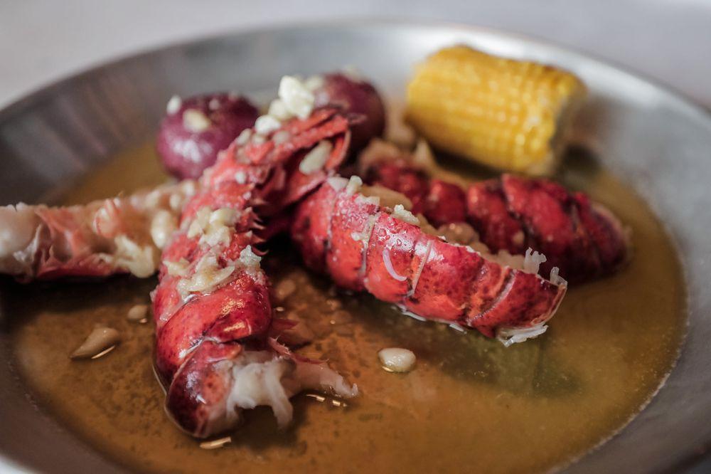 Hook & Reel Cajun Seafood & Bar: 718 N Rolling Rd, Catonsville, MD