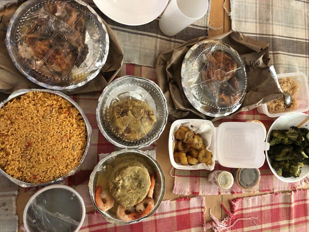 Food from El Mofongo Restaurant