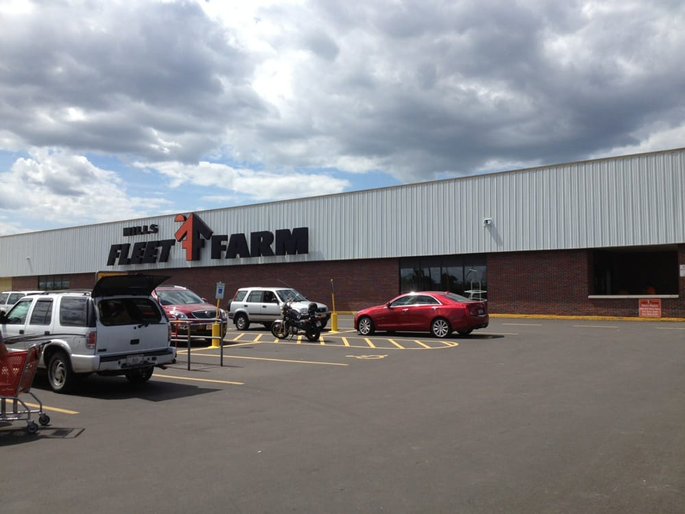 Mills Fleet Farm: 177 N Washburn St, Oshkosh, WI