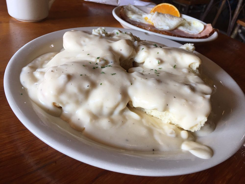 Corner Cafe Bar and Grill: 446 Hwy 55, Horseshoe Bend, ID