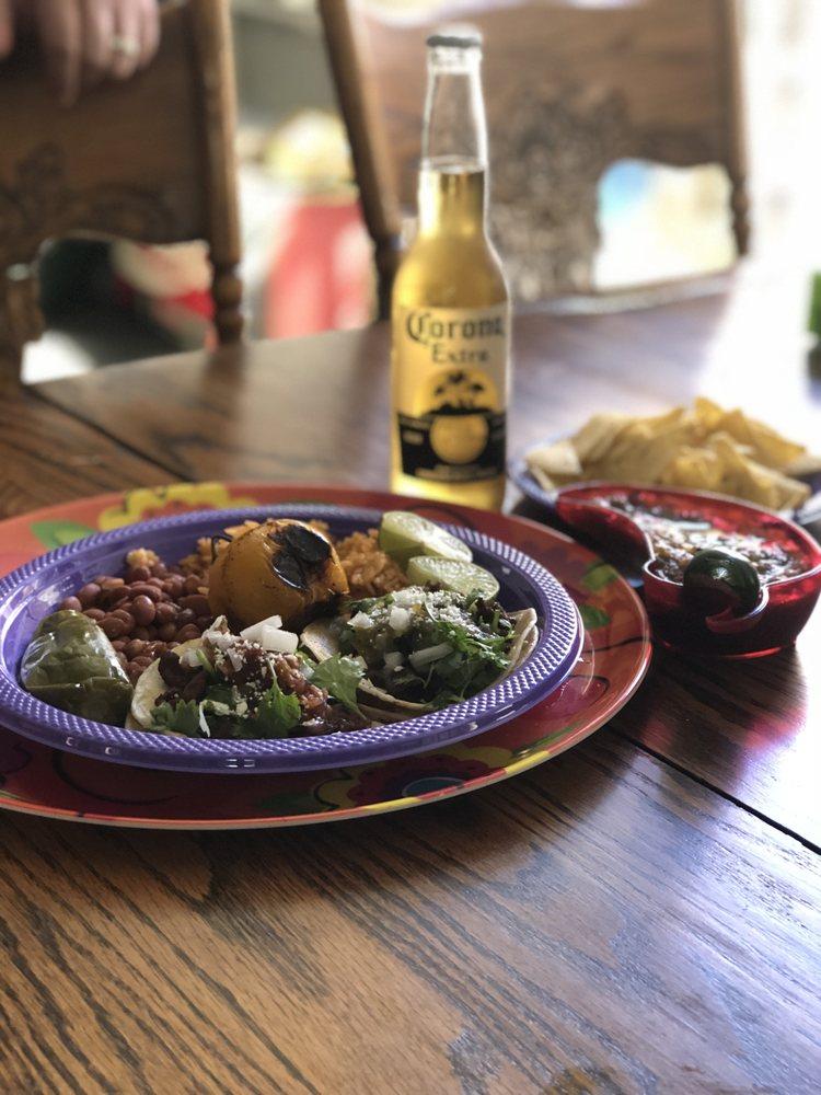Johnny's Taco Express: Gilroy, CA