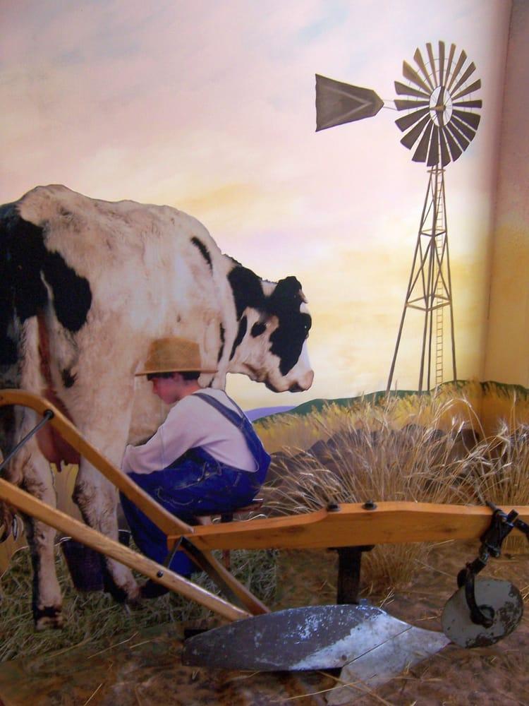 Dacotah Prairie Museum: 21 S Main St, Aberdeen, SD