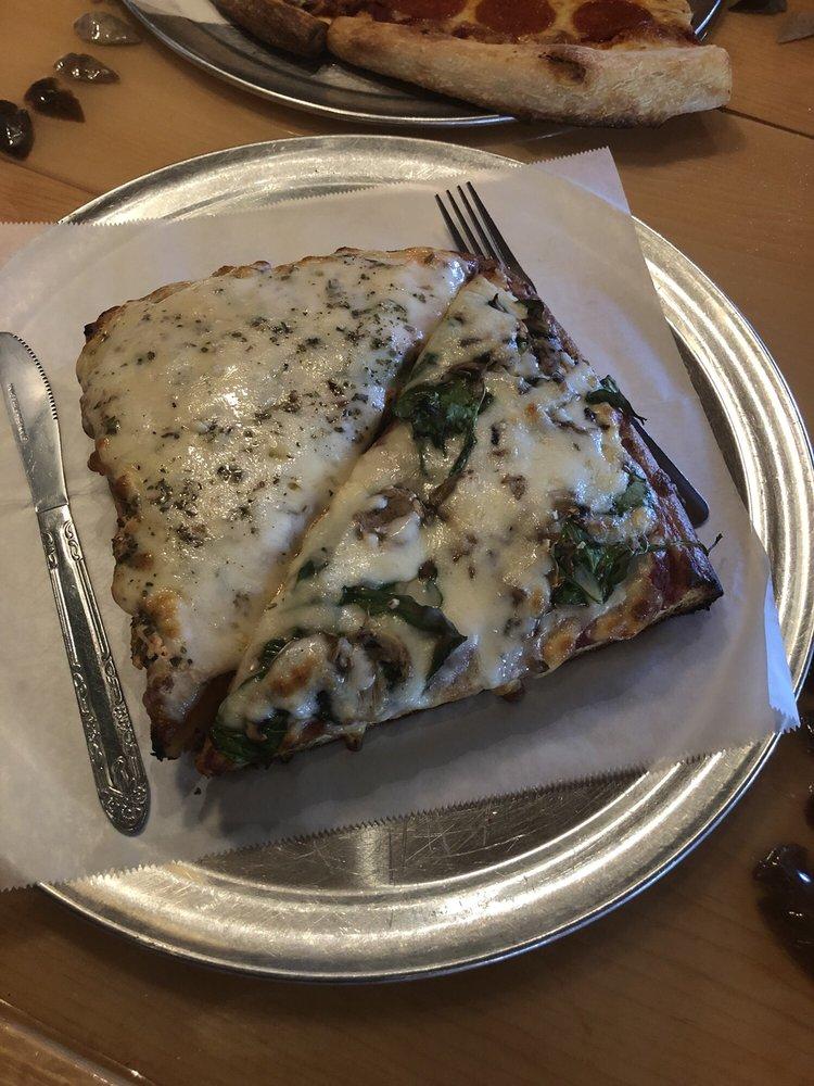 Fratelli's Pizza: 2179 US-19, Pelham, GA