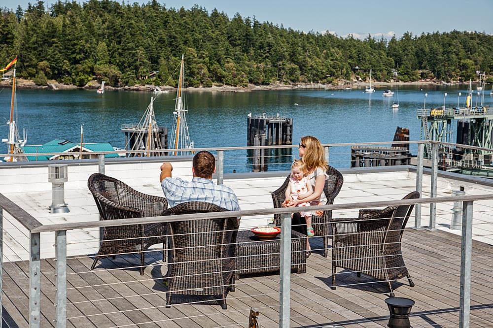 roof deck penthouse 2 friday harbor hotel the island inn. Black Bedroom Furniture Sets. Home Design Ideas
