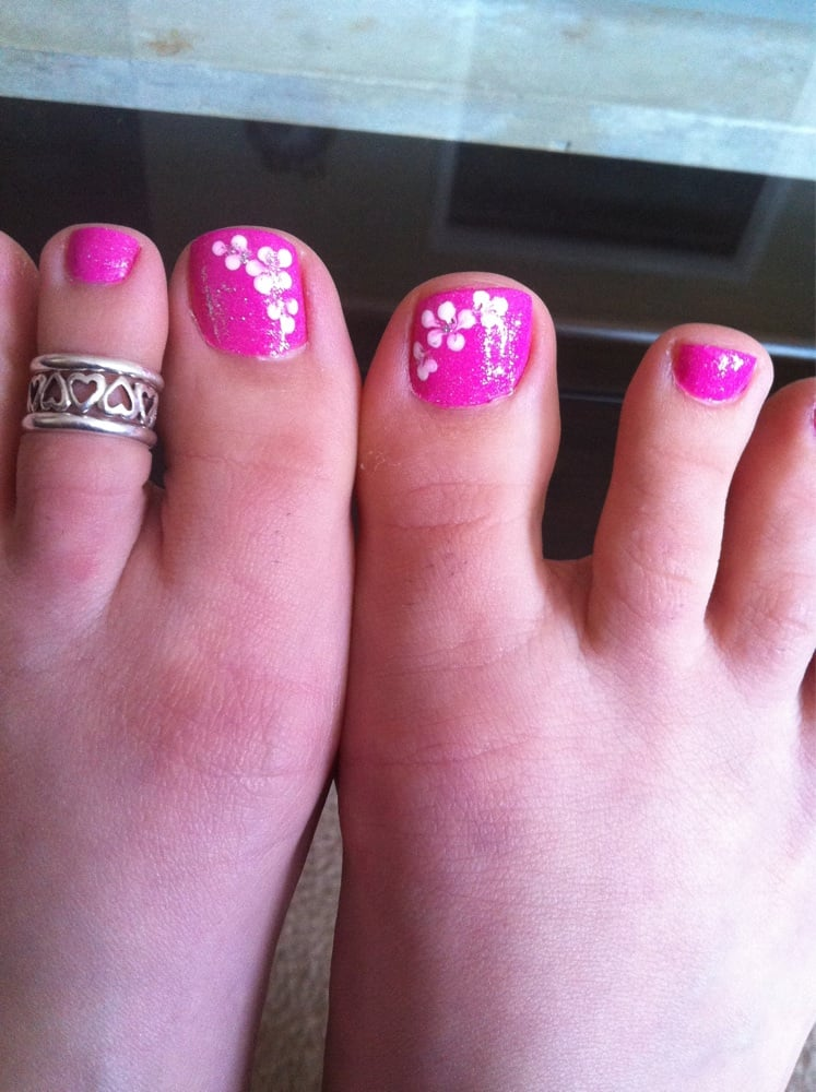 Floral Manicures For Spring And: Flower Design Pedicure!