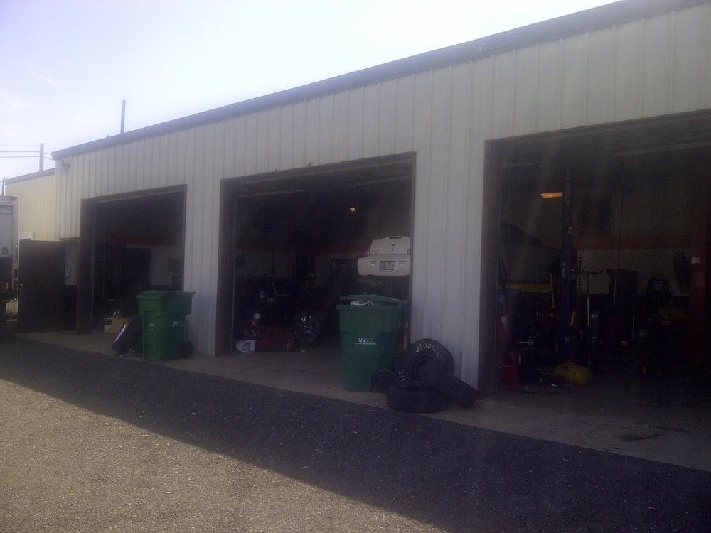 C & C Repair: 204 Delaware Ave, Hurlock, MD