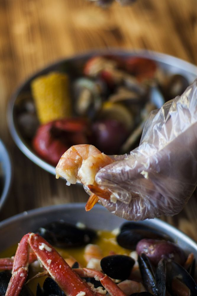 Hook & Reel Cajun Seafood & Bar: 1534 Franklin Mills Cir, Philadelphia, PA