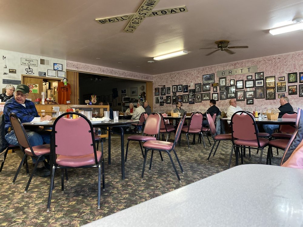 Mary Jo's Hobo House and Catering: 72 Main Ave S, Britt, IA