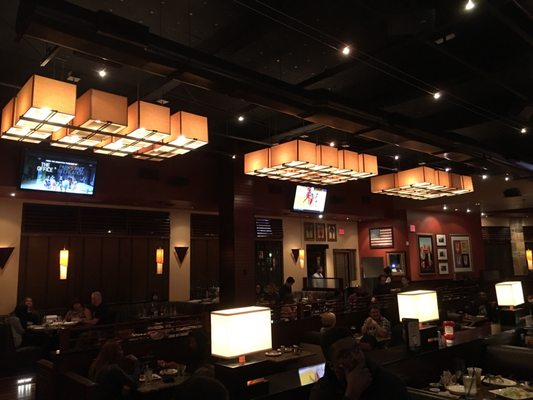 BJ's Restaurant & Brewhouse - 6000 Sepulveda Blvd, Culver