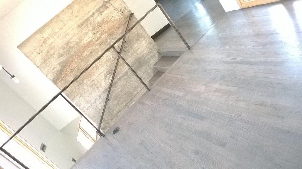 H&R Hardwood Floors