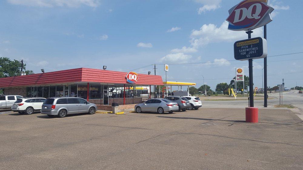 Dairy Queen: 715 S Eagle, Weimar, TX