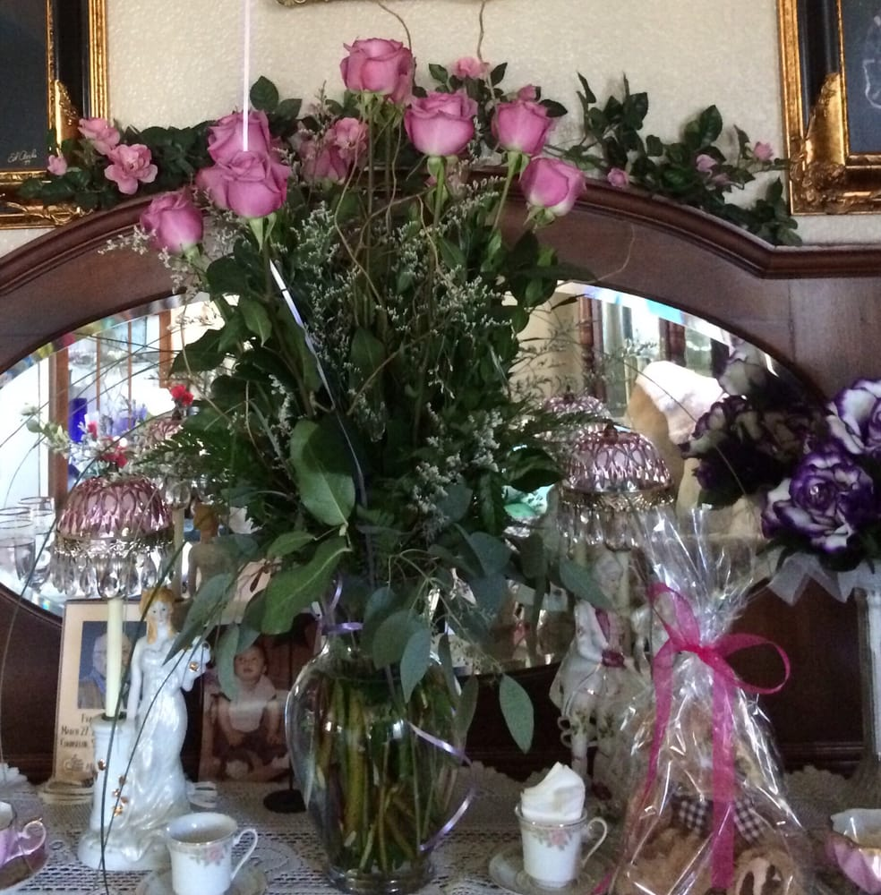 1 Dozen Deluxe Lavender Roses With Teddy Bear And Happy Birthday