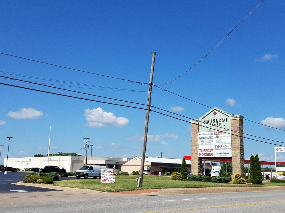 Fox Farm Food: 2639 E 32nd St, Joplin, MO