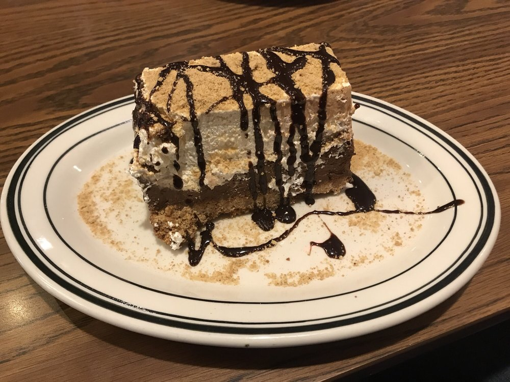 Mimi's Cafe: 17240 Chesterfield Airport Rd, Chesterfield, MO