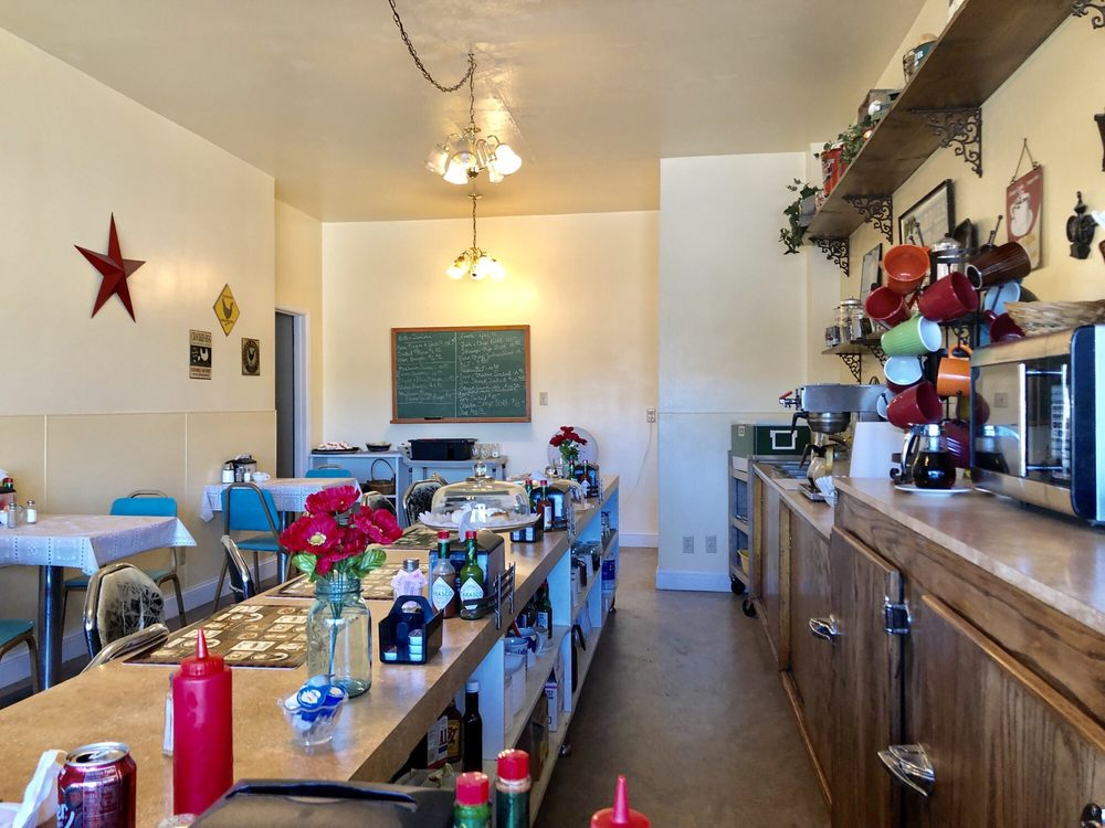 Whistle Stop Cafe: 106 Central Ave S, Harlowton, MT