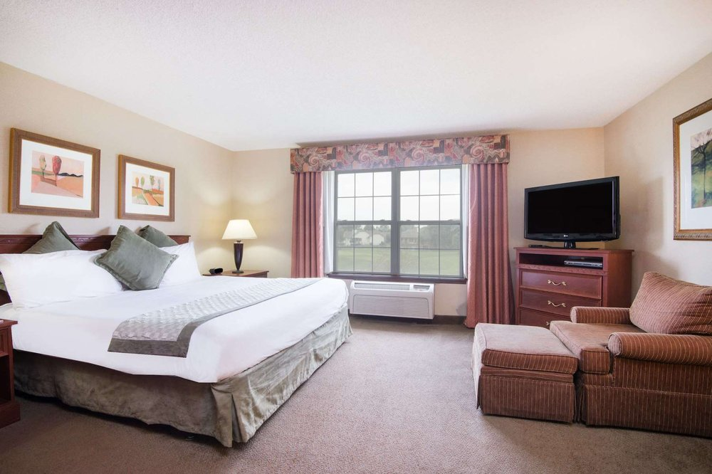 The Marigold Grand Hotel and Suites: 2405 North Ridge Rd, Wichita, KS