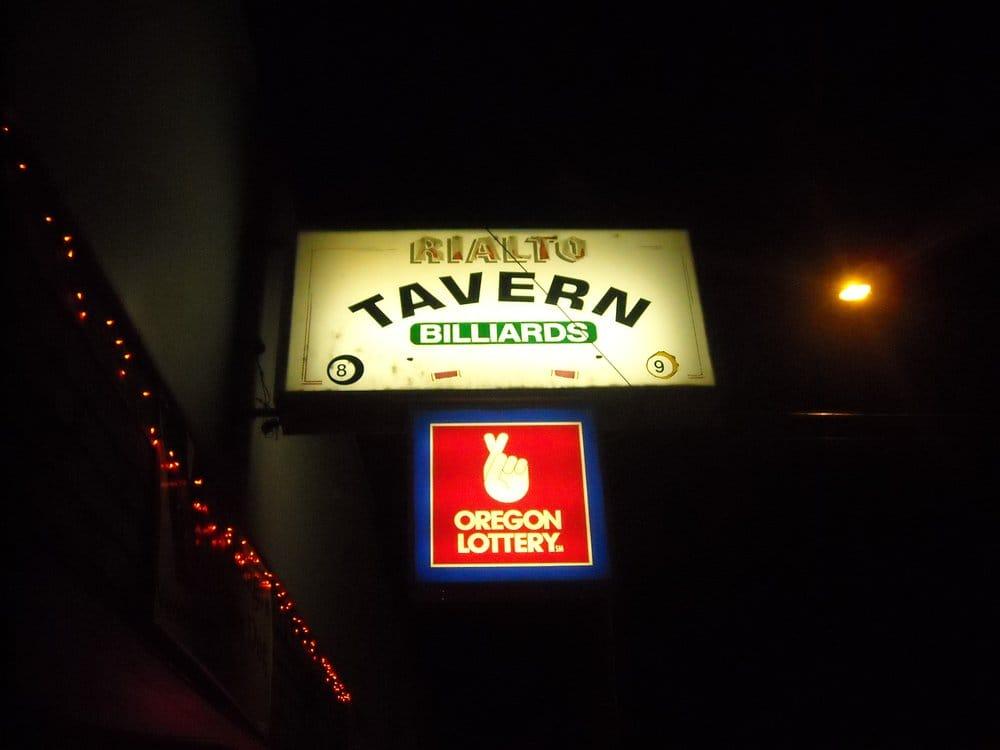 Rialto Tavern: 25 SW D St, Madras, OR
