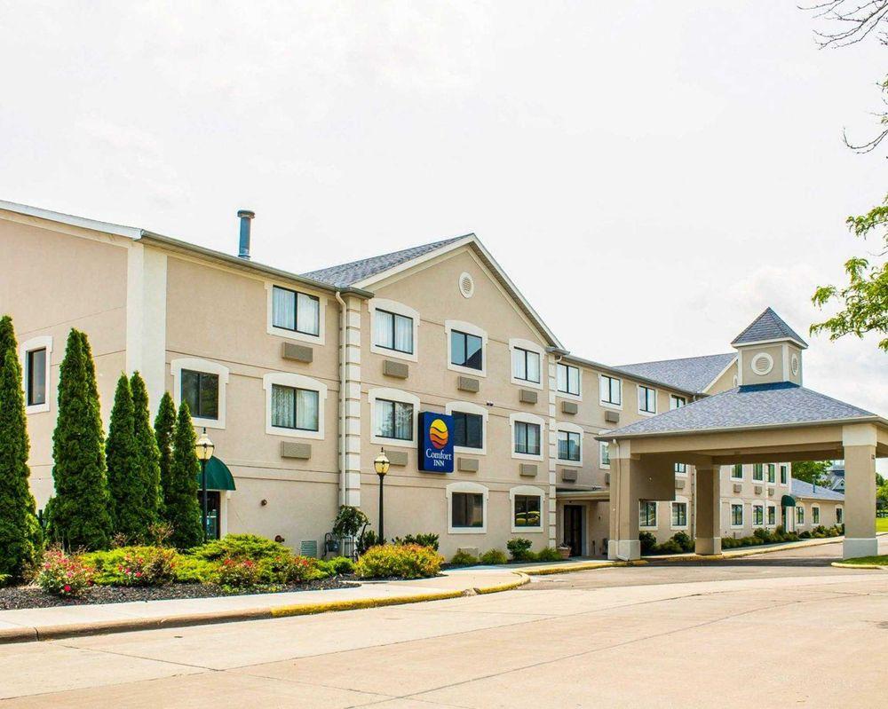 Comfort Inn River S Edge 17 Photos 15 Reviews Hotels 132 N Main St Huron Oh Phone Number Yelp