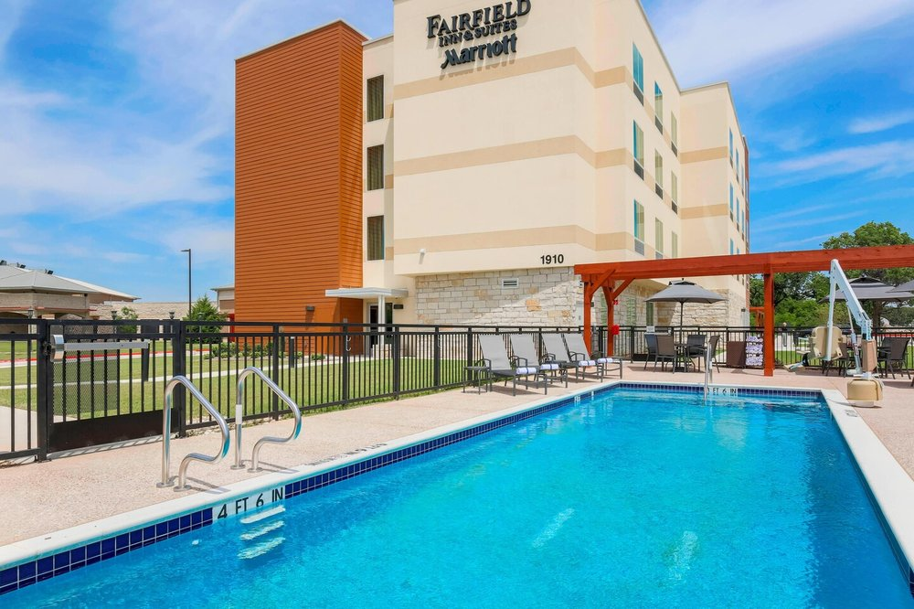 Fairfield Inn & Suites Decatur at Decatur Conference Center: 1910 W US Hwy 380, Decatur, TX