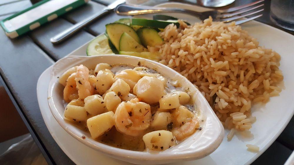 Village Fish Market & Restaurant: 1200 W Retta Esplanade, Punta Gorda, FL