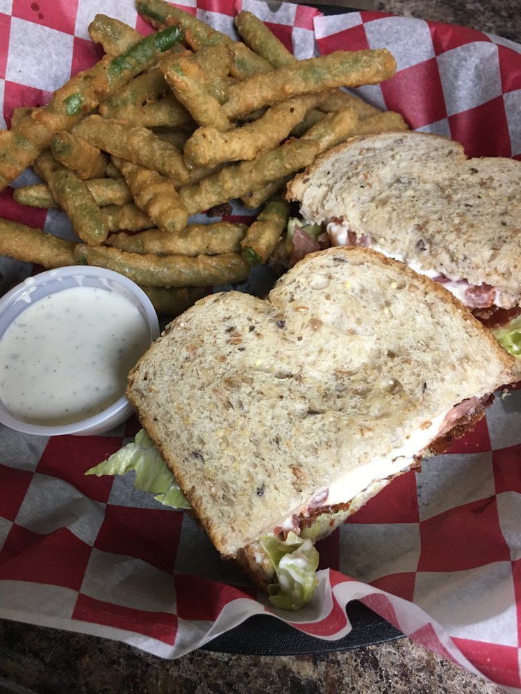 Ducks Bar & Grill: 213 N Lake Ave, Crandon, WI
