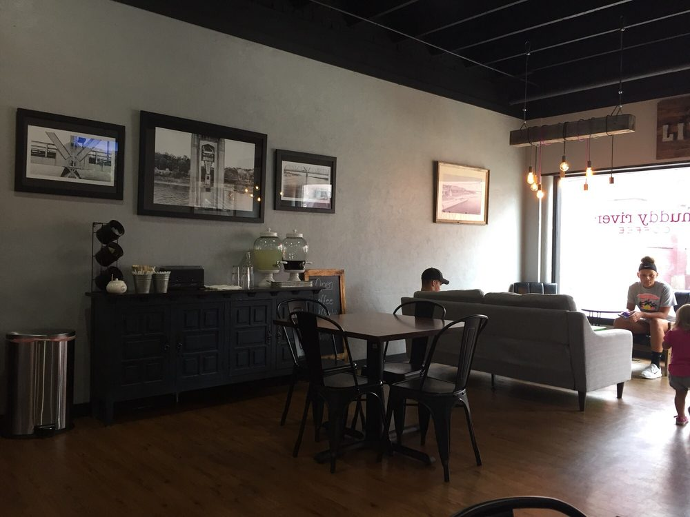 Muddy River Coffee: 106 West Stacey St, Chester, IL