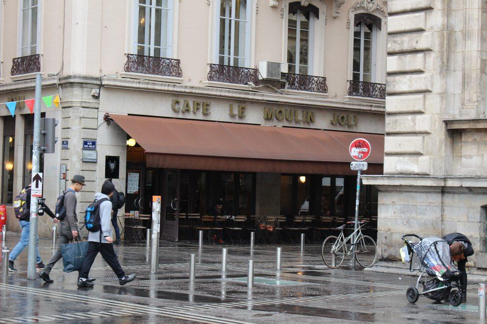 Caf Ef Bf Bd Moulin Joli