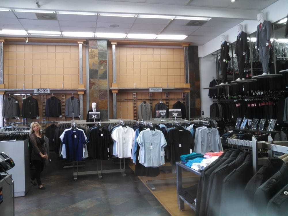 Suits from chain store, department stores, or warehouses concentrate on the