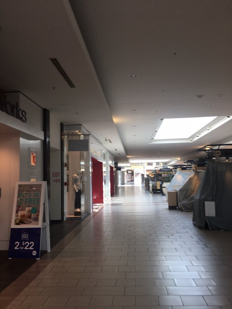 Market Place Shopping Center: 2000 N Neil St, Champaign, IL