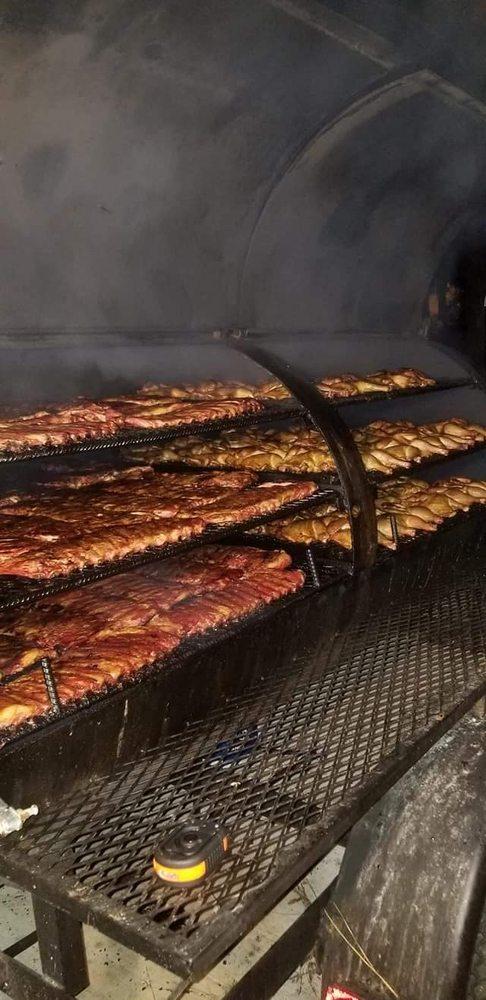 Heavy B's Barbecue: 492 E Main St, Bronson, FL