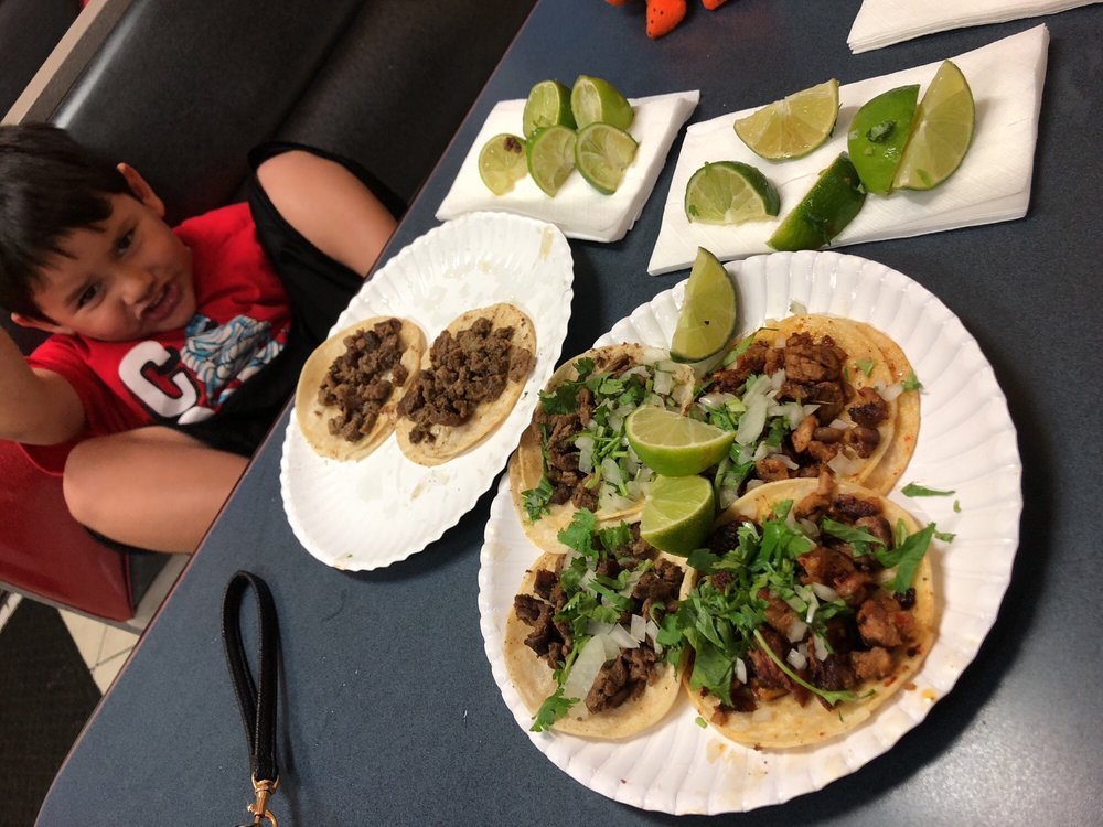 Food from Alex's Tacos