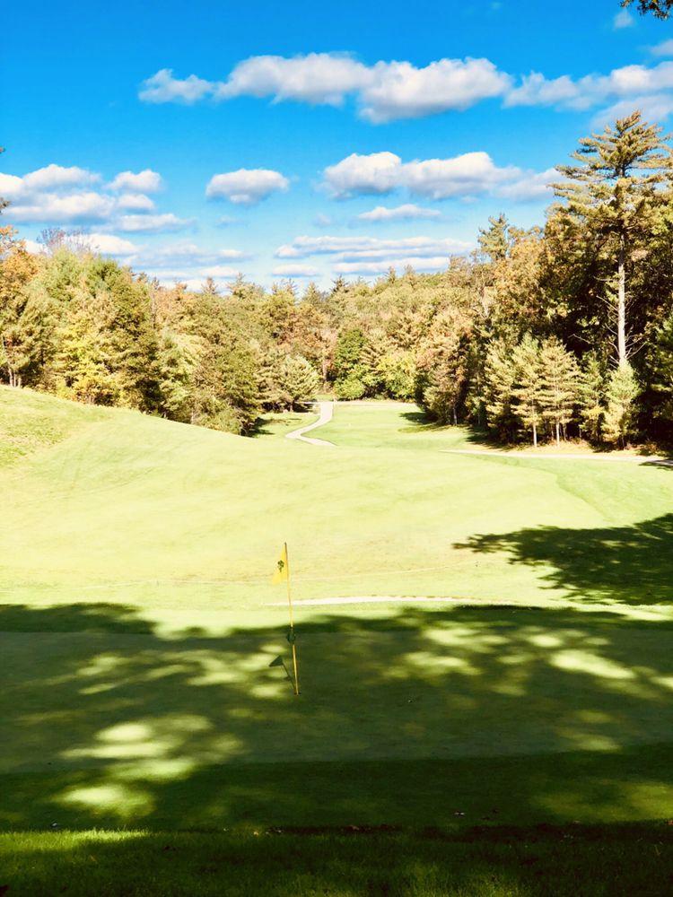 Stonegate Golf Club: 4100 Sweeter Rd, Twin Lake, MI