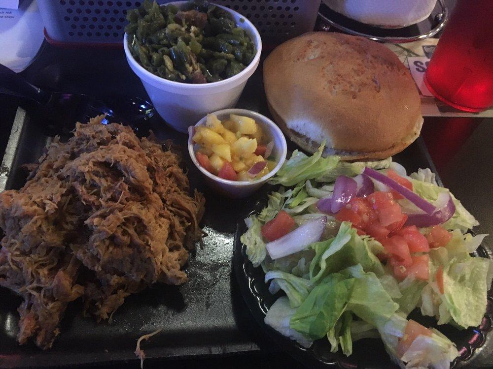 ShortE's BBQ: 8805 Chambery Blvd, Johnston, IA