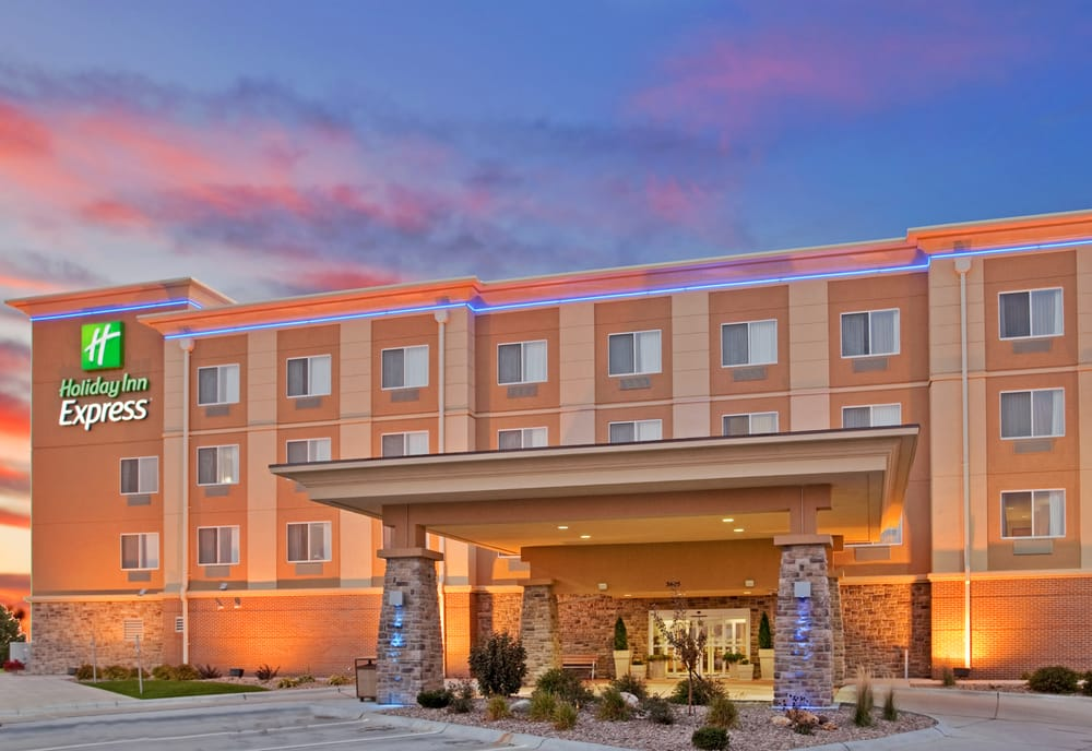 Holiday Inn Express Hastings: 3605 Cimarron Plz, Hastings, NE
