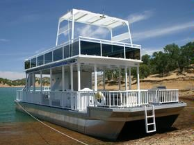 44ft Patio Pontoon Boat Accomodates Up To 15 And Is