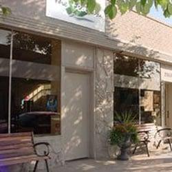 The tea box ferm 11 avis salons de th 2351 e 3rd for 3rd avenue salon denver