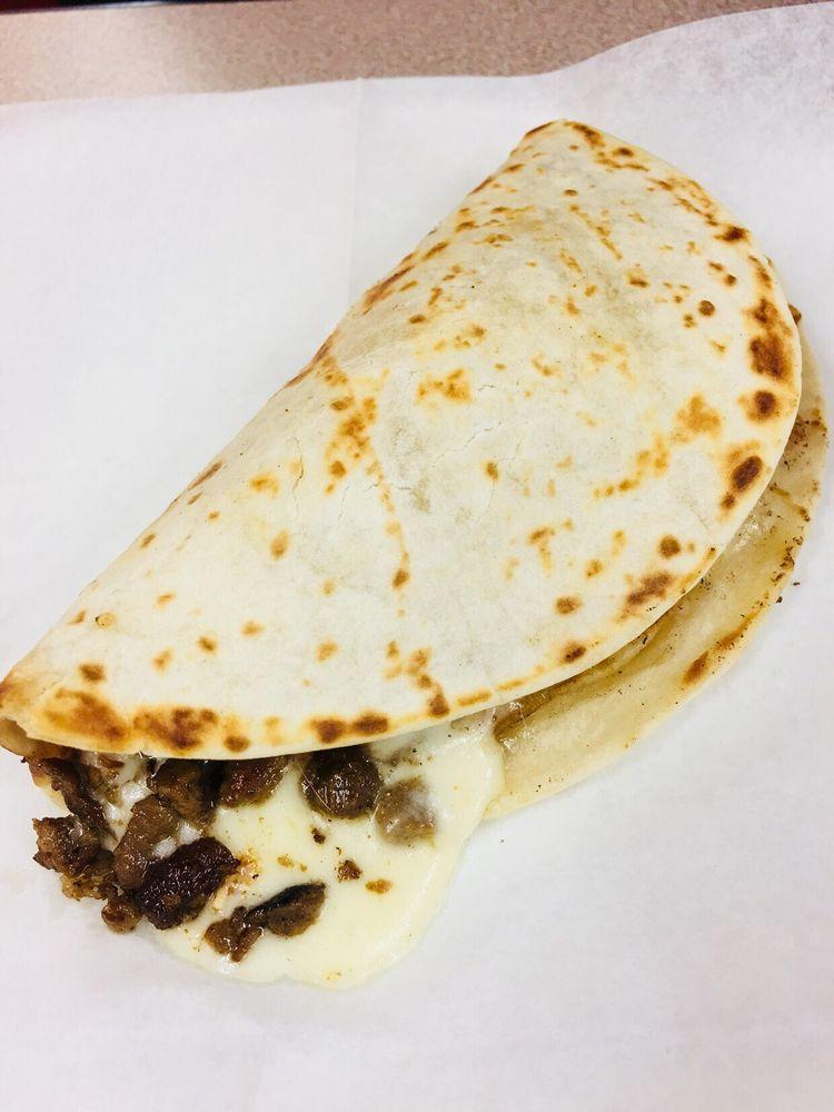 Food from Tacos El Cuñado