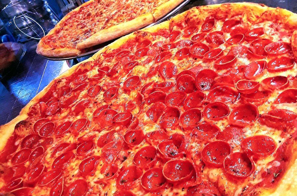 Bluebird Pizzeria: 496 E 14th St, San Leandro, CA