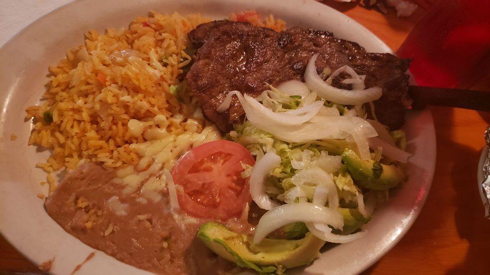 Fiesta Mexicana: 117 Hwy 72 W, Tuscumbia, AL