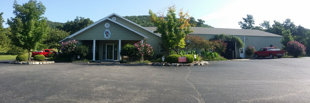 St Francis Veterinary Clinic: 310 County Rd 706, Green Forest, AR