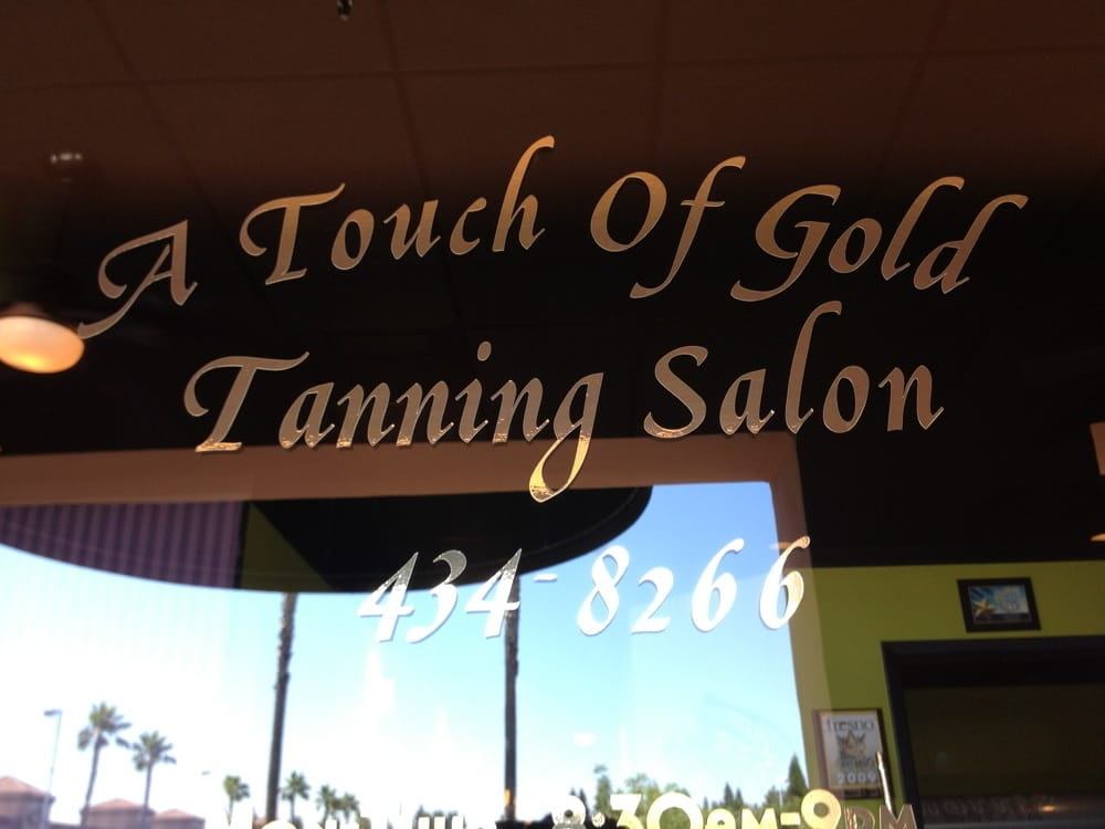 A Touch of Gold Tanning Salon: 9463 N Ft Washington, Fresno, CA