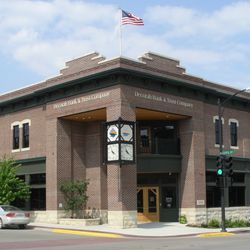 decorah bank and trust co