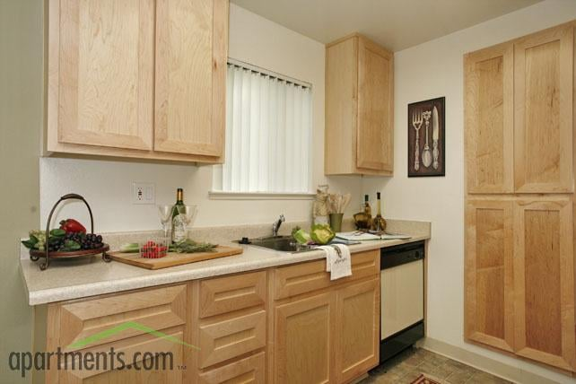 Cherrywood Apartments - 100 Photos & 40 Reviews - Apartments ...