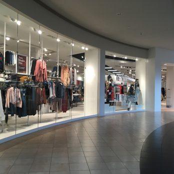 Carolina Place Mall 40 Pos 61 S Ping Centers