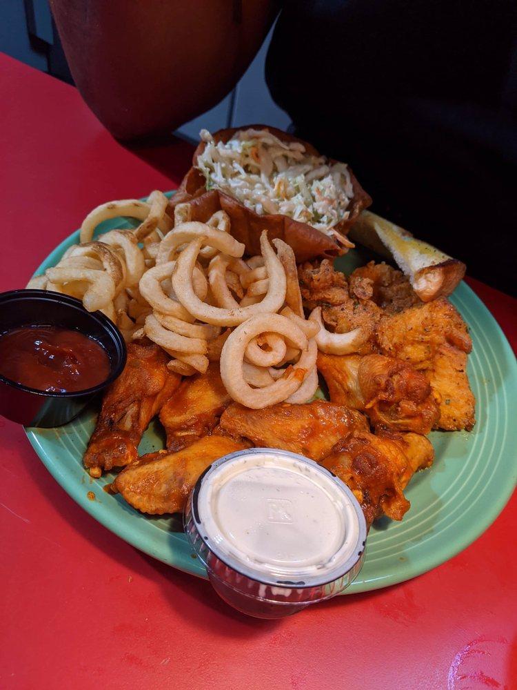 Buffalos Cafe: 1421 Hwy 16 W, Griffin, GA